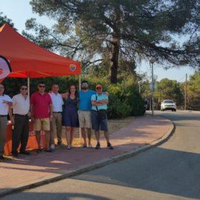 La carpa de Cs Gavà hace parada en el barrio de La Sentiu para conocer de primera mano las necesidades de los vecinos